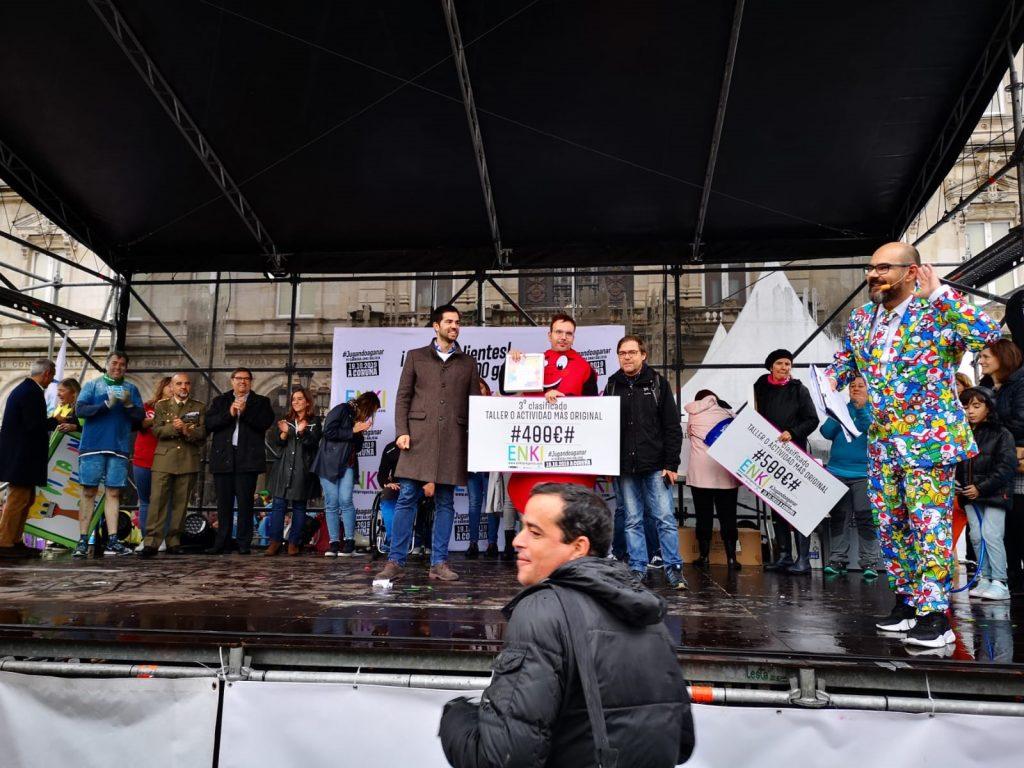 Proyecto ENKI 2019. Entrega del premio 3er puesto de actividad más original para ALCER Coruña